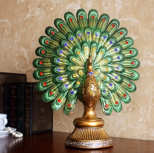 Custom Gift Art Craft Christmas Decorative Artificial White Peacock pictures & photos
