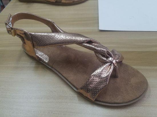 New and Fashion Lady Flat Heel Sandal Dress Shoes