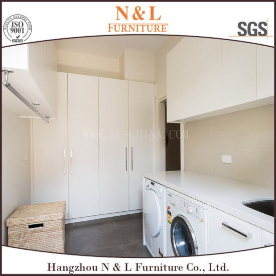 Standard Lacquer Door Home Furniture Laundry Cabinet