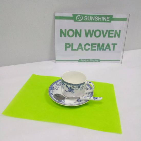 Non Woven Fabric Colored Table Cloth pictures & photos