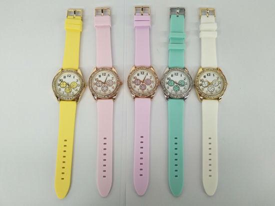 Fashion Custom Promotion Swiss Lady Gift Silica Gel Watches (cm0014)