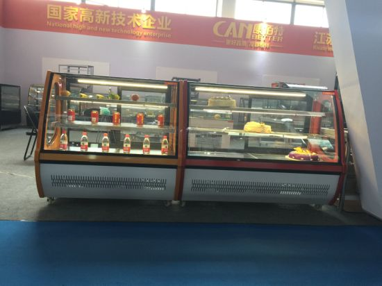 Superior Quality Pastry Display Refrigerated Chiller Cabinet with Embrabo Compresssor pictures & photos