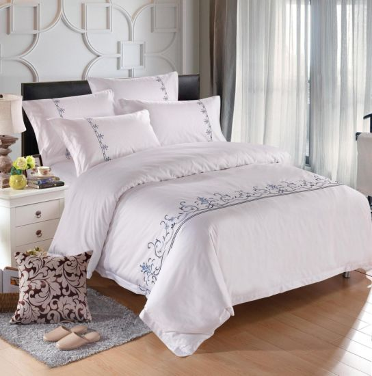 Luxury Hotel Textile Queen Size 100% Cotton Embroidered Hotel Bedding pictures & photos
