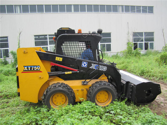 Vibratory Roller Installed on Caterpillar Cat Skid Steer Loader pictures & photos