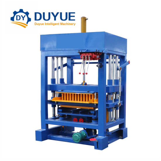Hot Sale Qt4-30 Hydraulic Colorful Paver Making Machine in Africa pictures & photos