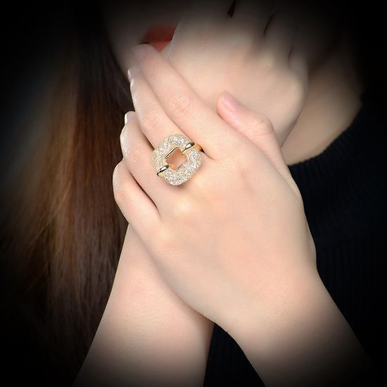 Saudi Arabia Alloy Rhinestone Square Womens Finger Ring Top Jewelry pictures & photos