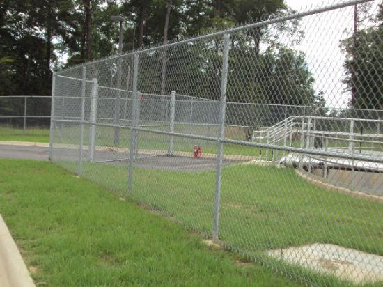 Chain link fence galvanised and galvanised green plastic coated