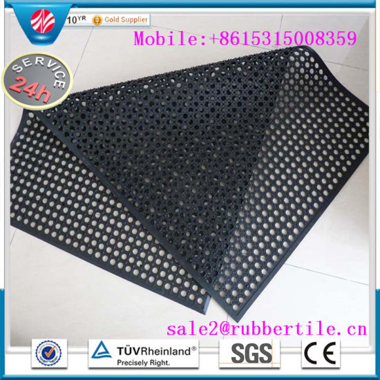Hard Wearing Rubber Mesh Mat, Playground Rubber Safety Mats pictures & photos
