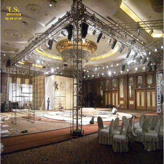 Good Quality Aluminum Light Roof Stage System Truss for Sale