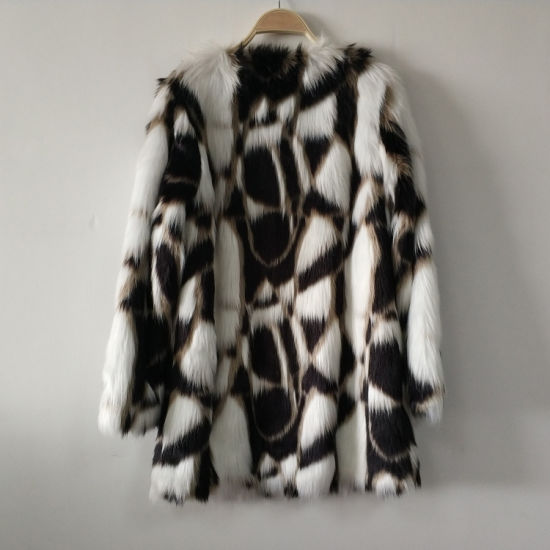 Tricolor Jacquard Weaved Faux Fur Coat Bonded with Shu Velveteen pictures & photos