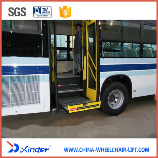 Ce Electrical & Hydraulic Wheelchair Lift pictures & photos