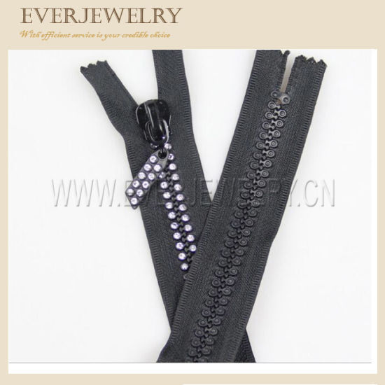 Hot Sell Wholesale Rhinestones Close End Zipper with Fancy Slider pictures & photos