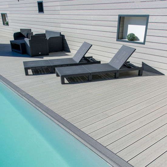 Luxury Good Price Wood Plastic Composite Decking for Seaside Hotel pictures & photos
