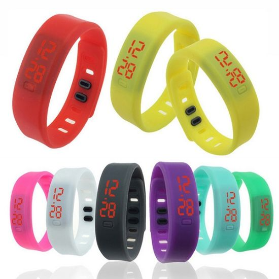 Sports Silicone Wristband LED Digtal Watch Bracelet pictures & photos