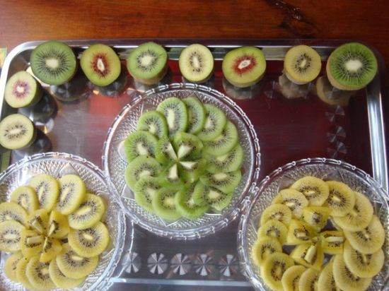 Best-Selling New Crop Export Good Quality Fresh Kiwi Fruit pictures & photos