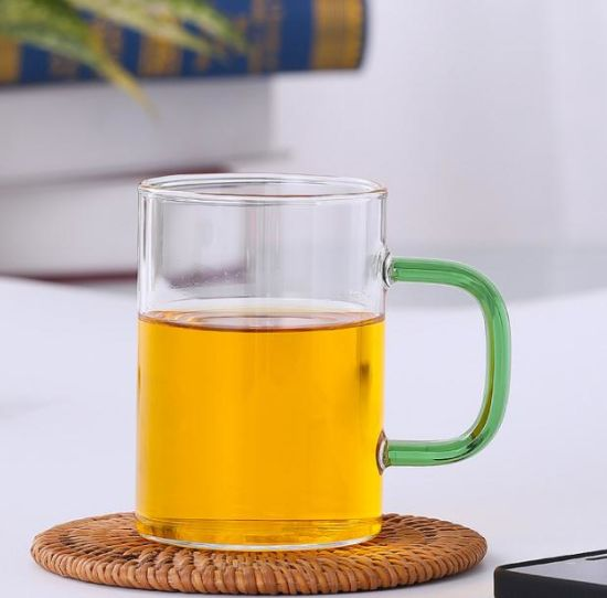 High Borosilicate Colored Handle Glass Cup Water Glass pictures & photos