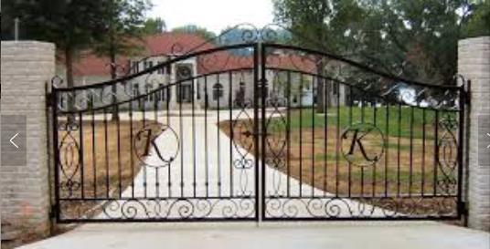 China Beautiful House Simple Sliding Iron Main Gate Designs China