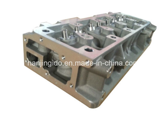 Auto Parts for Renault R12 Cylinder Head 7702131148 pictures & photos