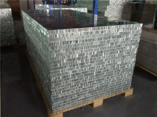 PVDF Coated Aluminum Honeycomb Panels for External Roofs and Walls pictures & photos