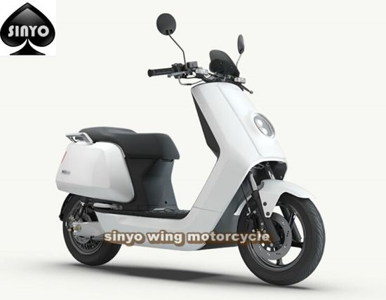 Latest Lithium Battery Electric Scooter pictures & photos