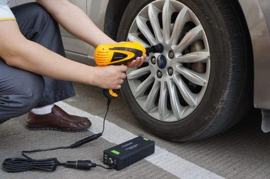 Rechargeable Car Battery Jump Starter 20000mAh with Lithium Polymer Battery pictures & photos