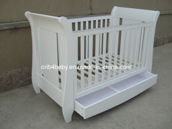 China Nursery Furniture Baby Sleigh Cot