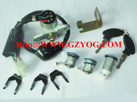 Yog Motorcycle Spare Parts Lock Set Ignition Switch Key Set Fuel Tank Cap Complete Cg150 Gy6-125 Scooters Suzuki Gn125 En125 Ax100 Honda Gl150 Cgl150 pictures & photos