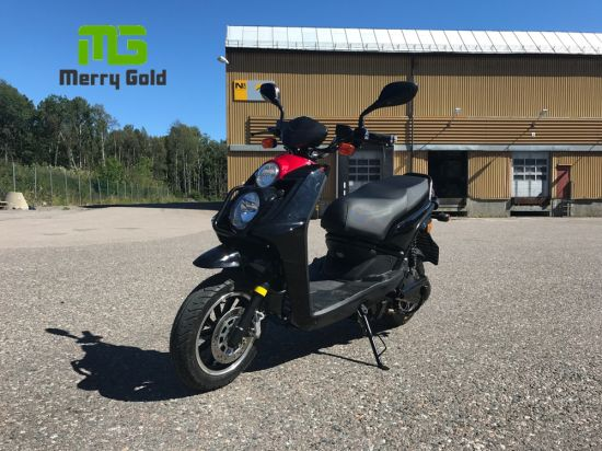2017 New 2000W Muscle Power EEC Electric Motorcycle pictures & photos