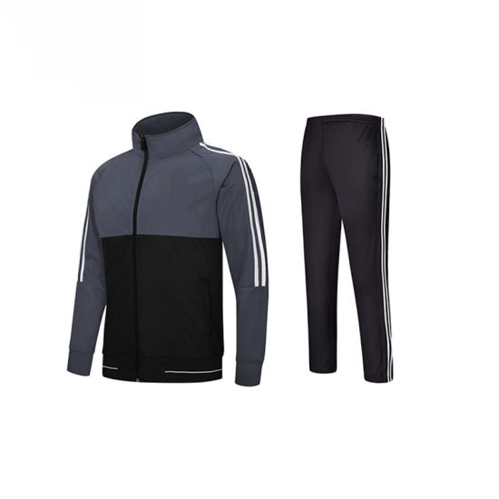 Slim Fit Style Tracksuit Sportswear for Men pictures & photos