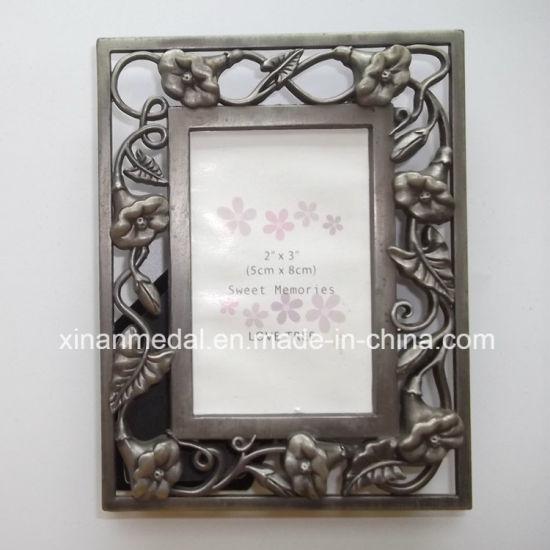 Custom Metal Hollow Engraved Vintage Photo Frame