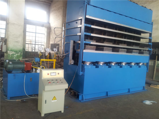 Tyre Tread Vulcanizing Press