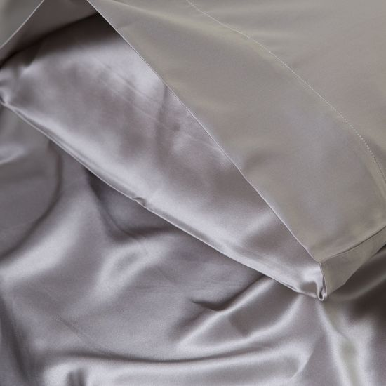 Luxury 100% Mulberry Silk Bedding Set pictures & photos