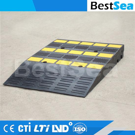 China Adjustable Plastic Driveway Car Curb Ramp or Vehicle