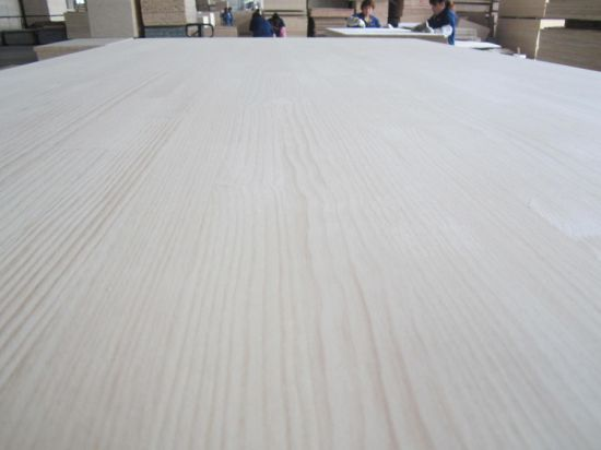 915X2300 Size Pine Edge Glued Panel for Korea Market pictures & photos