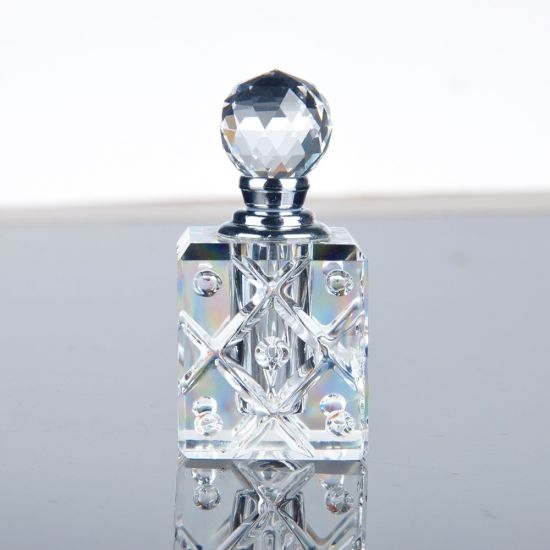 Wholesale Small 3ml Beautiful Luxury Empty Crystal Glass Perfume Bottles for Sale pictures & photos