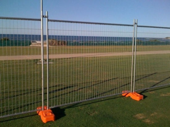 Hot Dipped Galvanized Wire Mesh Portable Temporary Fence pictures & photos