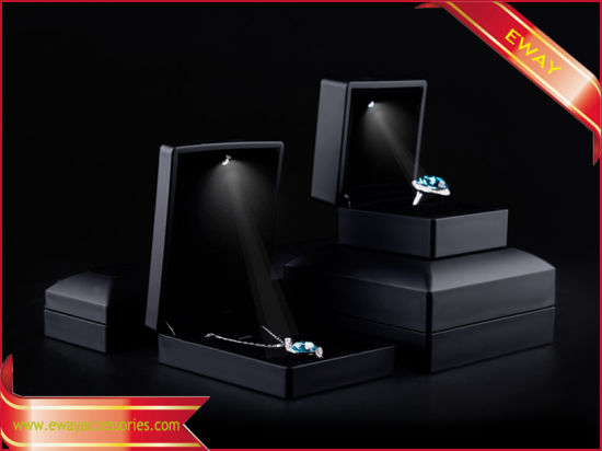 China LED Jewelry Packing Boxes Fashion PU Boxes for Jewelry China