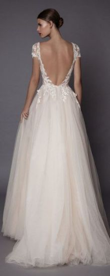 Cap Sleeves Bridal Gown Beads Plus Size Lace Tulle Wedding Dress J3185 pictures & photos