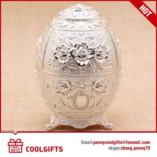 Golden Engraving Metal Russia Style Auto Toothpick Holder for Party pictures & photos