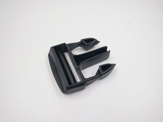 China Customized Service High Quality Plastic Safety Belt Buckle pictures & photos