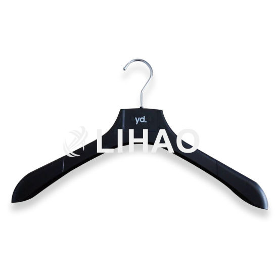 Custon Wide Shoulder Black Plastic Suit Coat Hanger for Clothes pictures & photos