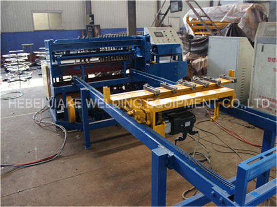 China CE Certified Automatic Steel Wire Mesh Welding Roll Machine pictures & photos