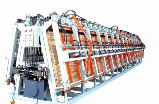 a Type Long Size Wood Joint Machine with Heating System pictures & photos