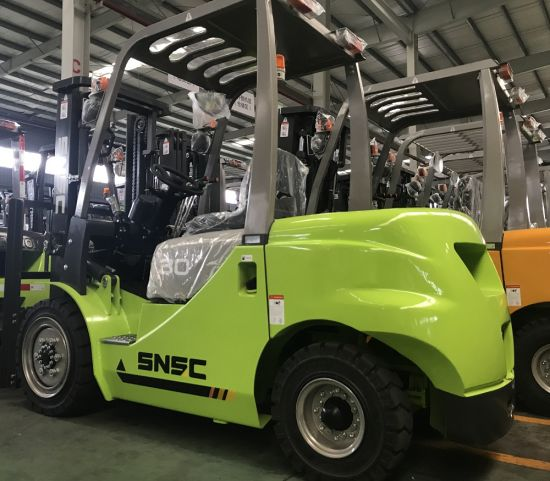 Mitsubishi Engine Forklift Price 3 Ton with Solid Tyre pictures & photos