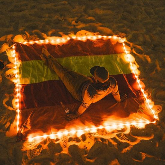 Sand Proof Free Nylon Parachute Blanket Beach Mat, Compact, Soft and Lightweight with LED Lights for Summer Beach, Picnic, Hiking