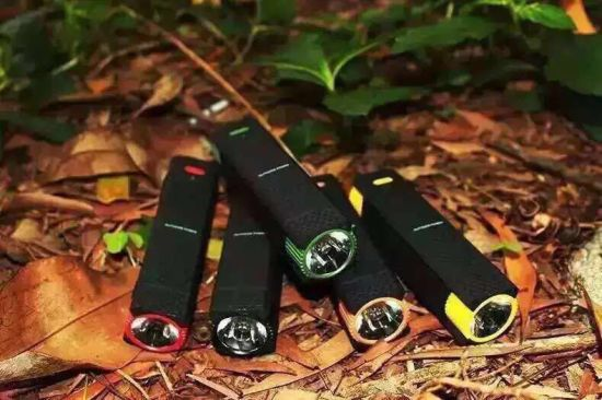 Outdoor Adventure Big LED Lights Mobile Power Bank 2600 mAh