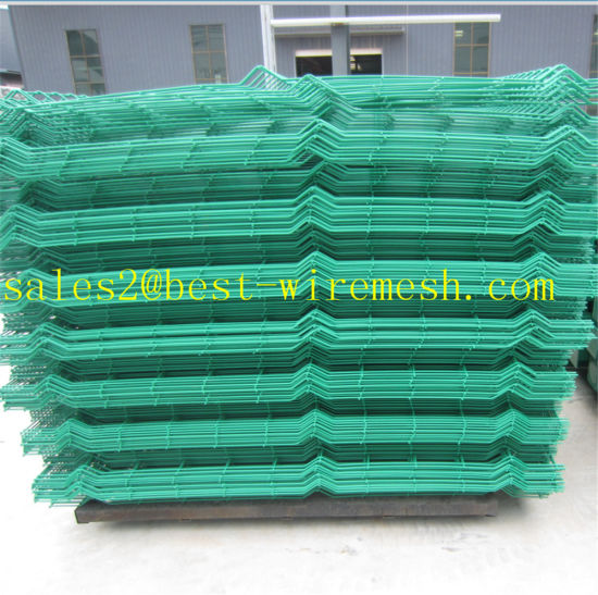 China Curvy Welded Wire Mesh Fence Panel / 3D Curved Fencing ...