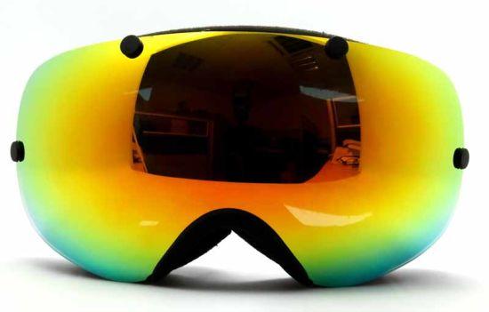 ee5344eca27 China Green Rainbow Mirror and Polarized Lens Anti-Fog Ski Goggles ...