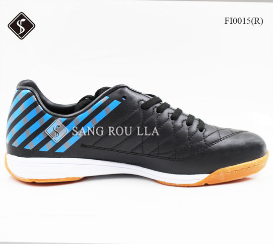 Soccer Shoes for Indoor with Rubber Outsole pictures & photos