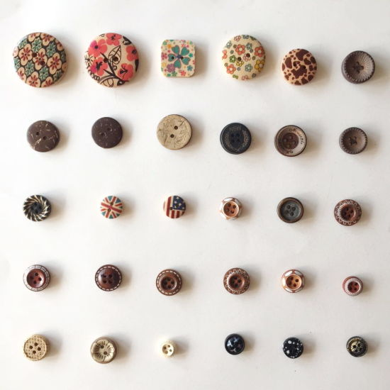 Fashion Colorful Painted Laser Wooden Buttons
